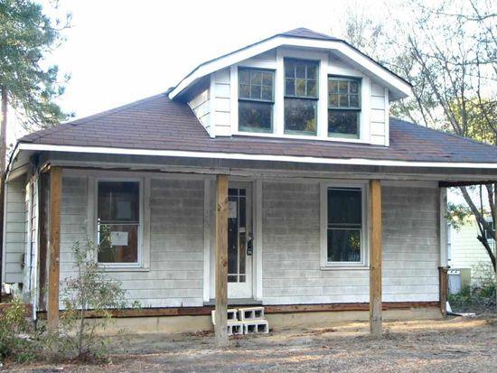 360 N Leak St, Southern Pines, NC 28387