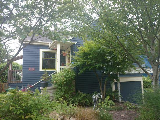 2833 NW 68th St, Seattle, WA 98117