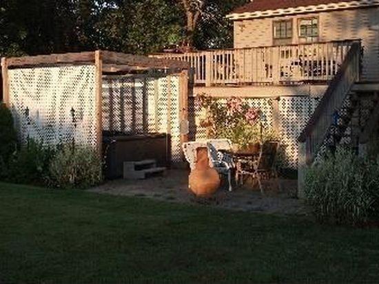 27 Turkey Hill Rd, Newburyport, MA 01950