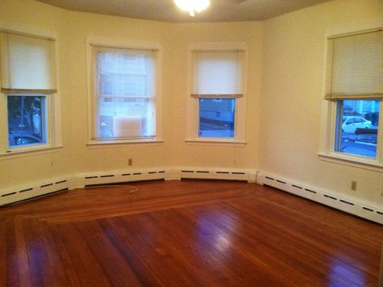 244 Eugenia St, New Bedford, MA 02745