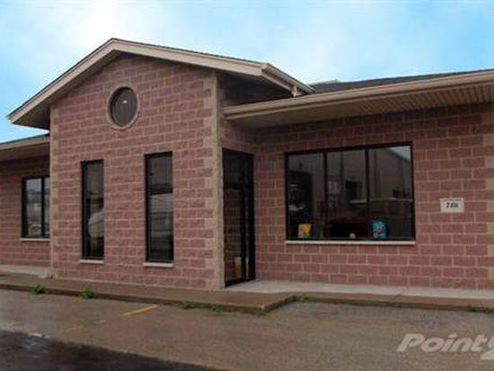 7101 Santa Fe Dr, Hodgkins, IL 60525