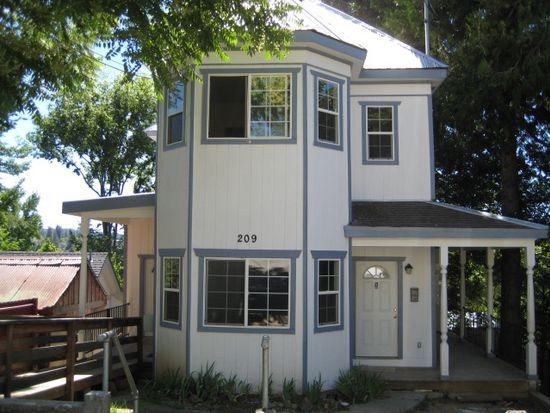 209 Lloyd St APT 1, Grass Valley, CA 95945