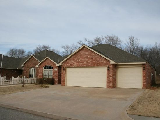 2417 Willow Spring Dr, Enid, OK 73703