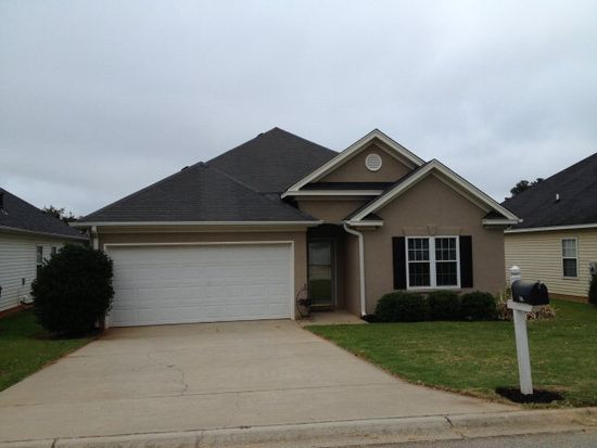 106 Pin Oak Dr, Greenwood, SC 29649