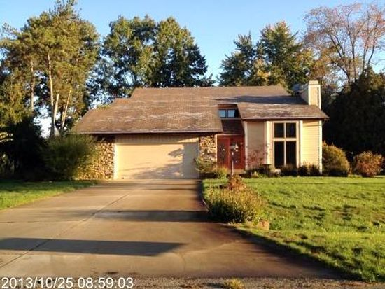 23639 Ramble Wood Ln, Elkhart, IN 46516