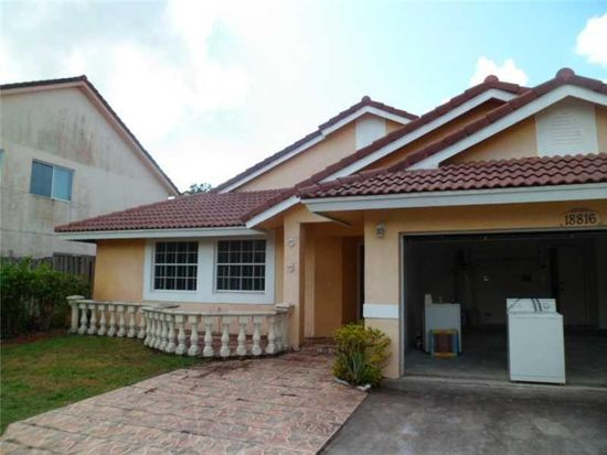 18816 NW 79th Way, Hialeah, FL 33015