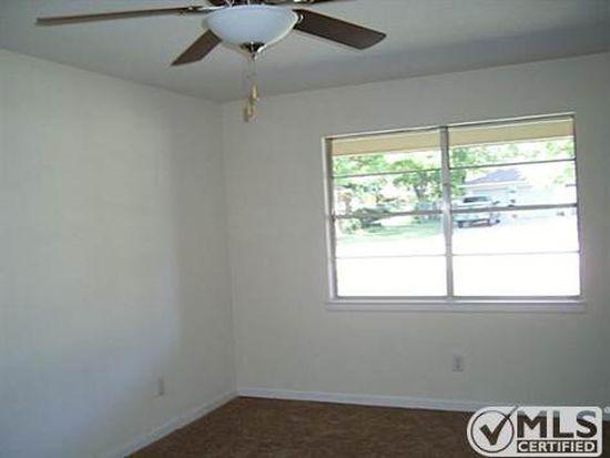7049 Valhalla Rd, Fort Worth, TX 76116