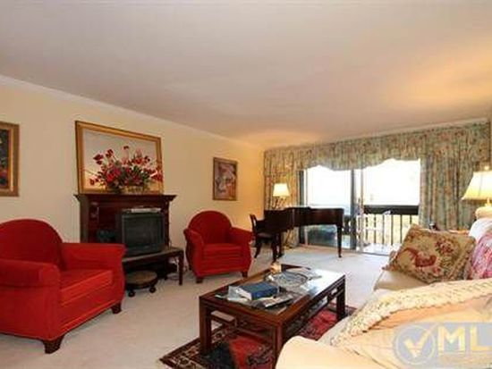 36 Old Colony Way APT 17, Orleans, MA 02653