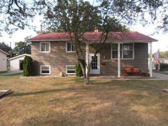 3223 Cabot Dr, South Bend, IN 46635