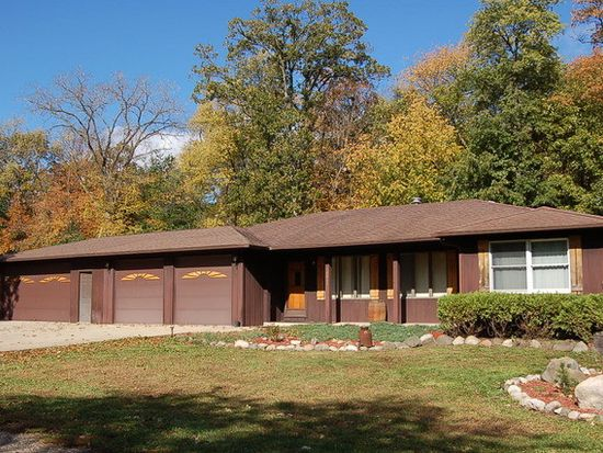 28888 W Laurel Ln, Island Lake, IL 60042
