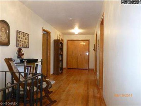 607 W Nimisila Rd, New Franklin, OH 44319