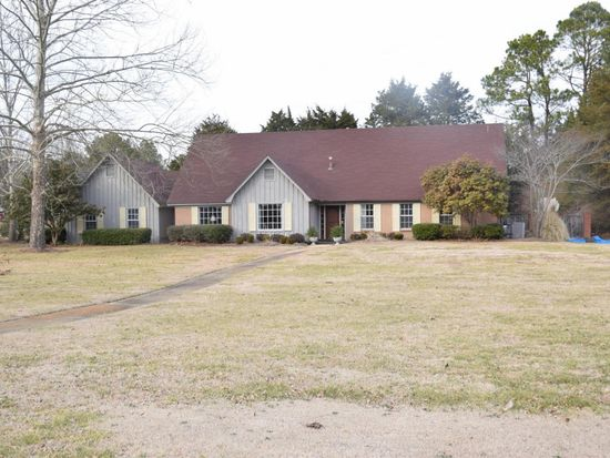 1208 Zentwood Rd, Tupelo, MS 38801