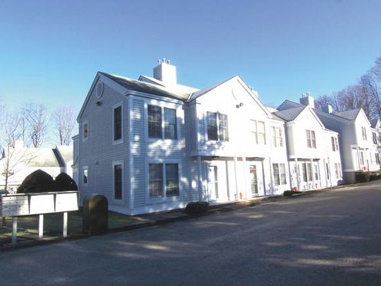 432 South St APT C6, Bennington, VT 05201