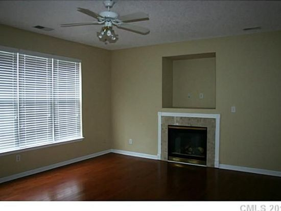 6913 Lowen Rd, Charlotte, NC 28269
