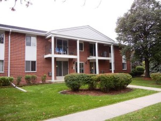 6183 W Howard Ave UNIT 16, Greenfield, WI 53220