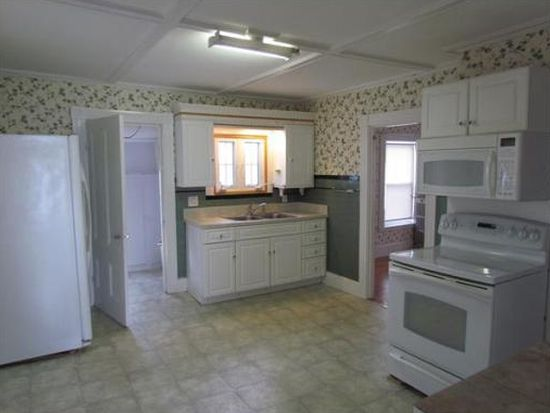 22 Lookout St, Gloucester, MA 01930