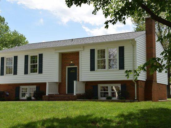 4045 Southwick Cir, Roanoke, VA 24018