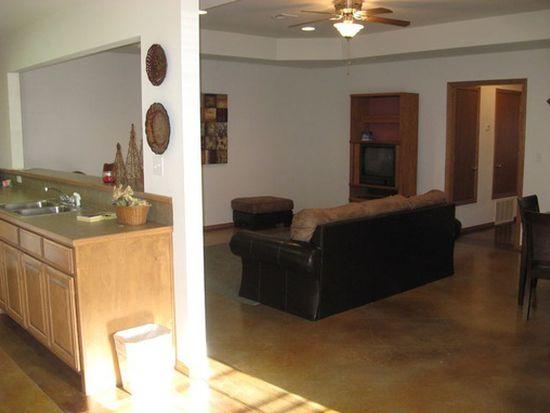 1813 Crazy Horse, Stillwater, OK 74075