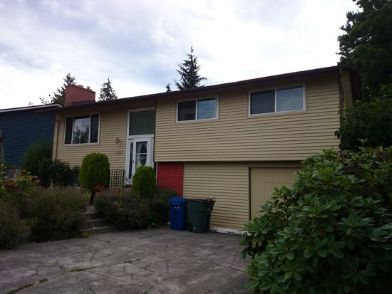 9038 34th Ave SW, Seattle, WA 98126