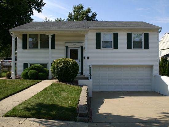 372 E Altgeld Ave, Glendale Heights, IL 60139