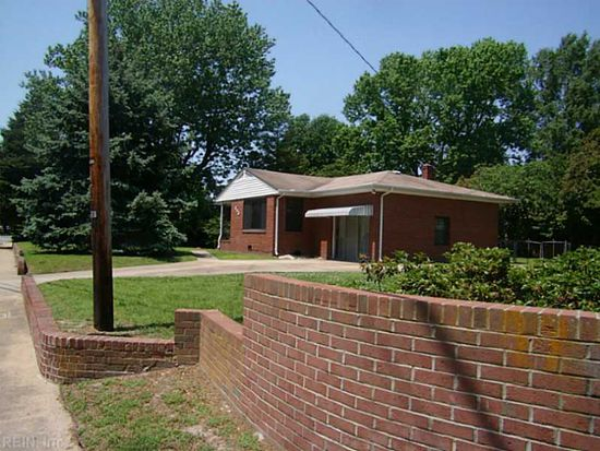 343 Woodside Dr, Hampton, VA 23669