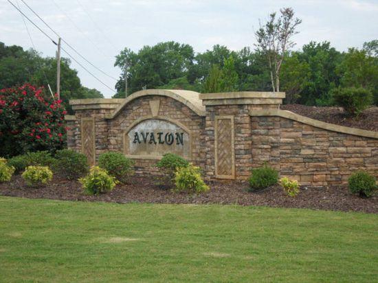 1560 Avalon Dr, Bogart, GA 30622