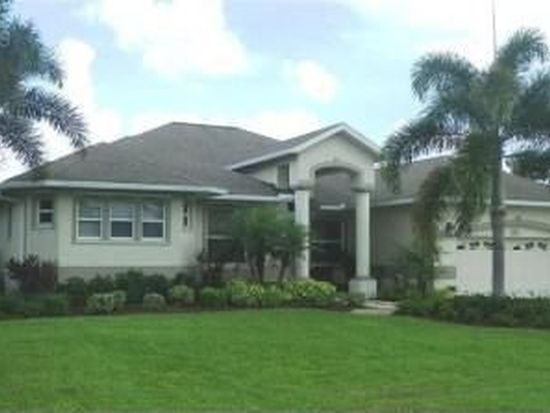 408 Parkway Ct, Fort Myers, FL 33919