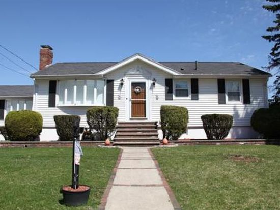 16 Oakland Rd, Lawrence, MA 01843