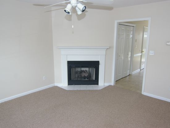 3919 Sterling Pointe Dr UNIT NN7, Winterville, NC 28590