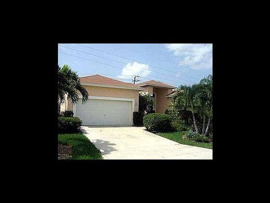 8801 Woodgate Dr, Fort Myers, FL 33908