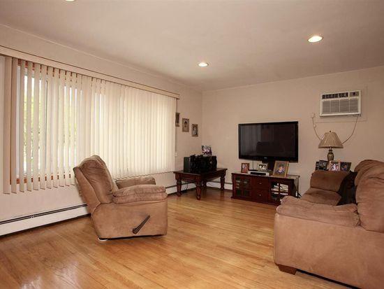 78 Waverly St, Jersey City, NJ 07306
