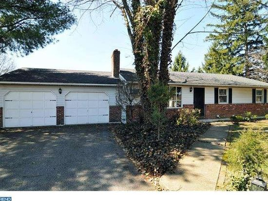 4974 Lanark Rd, Center Valley, PA 18034