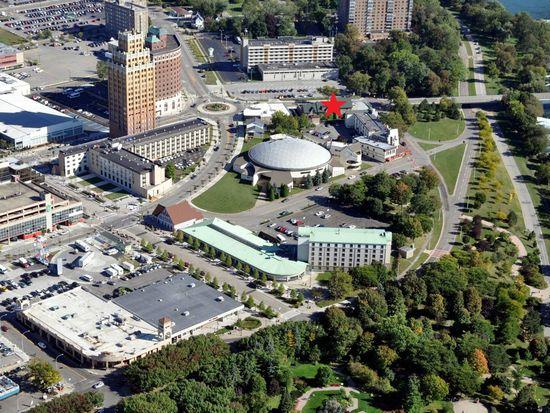 24 Buffalo Ave, Niagara Falls, NY 14303