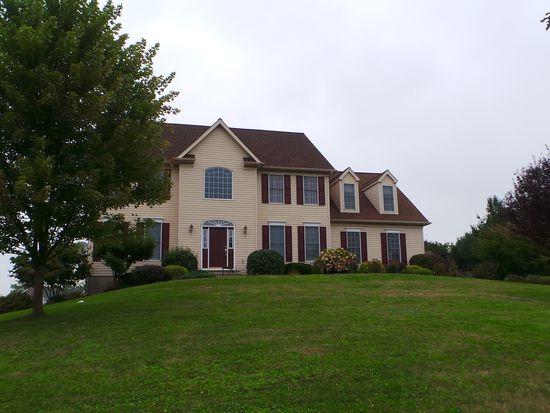 642 Clearfield Rd, Nazareth, PA 18064