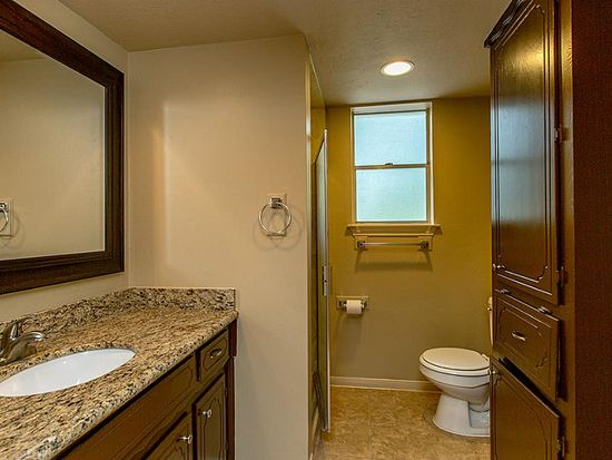 Who lives at 2320 buckholt st pearland tx homemetry for Bathroom remodeling pearland tx