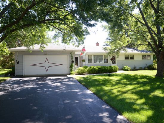515 Forest View Ave, Elk Grove Village, IL 60007