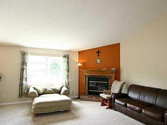 5748 Victory Dr, Indianapolis, IN 46203