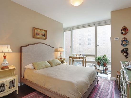 261 W 28th St APT 5A, New York, NY 10001