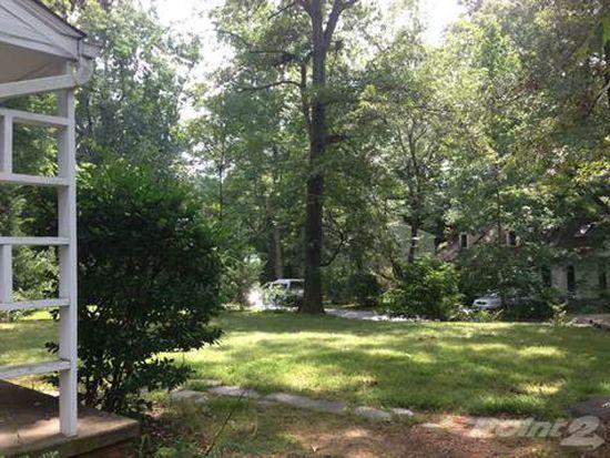 2530 Woodland Dr, Charlottesville, VA 22903