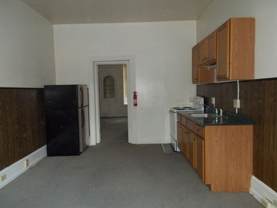 812 N 5th St APT 1, Reading, PA 19601