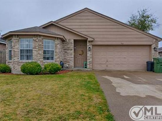 504 Hollyberry Dr, Mansfield, TX 76063