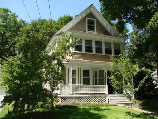 79 Pine St, Andover, MA 01810