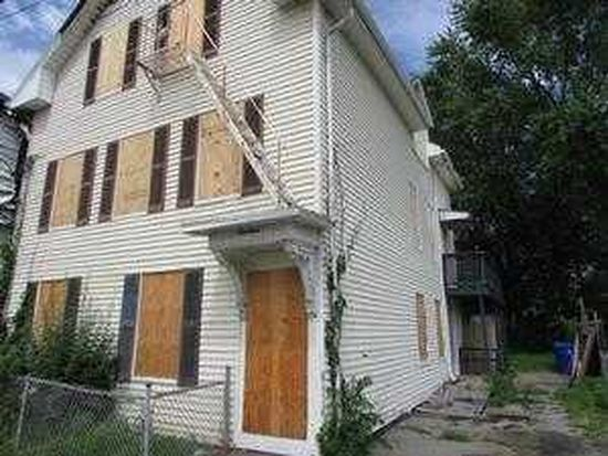 19 Melton St, Pawtucket, RI 02860