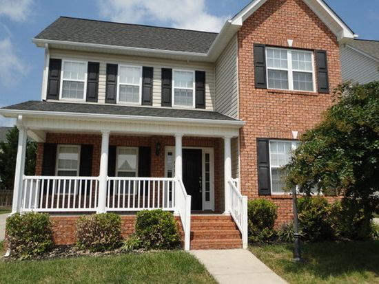 6673 Springfield Village Ln, Clemmons, NC 27012