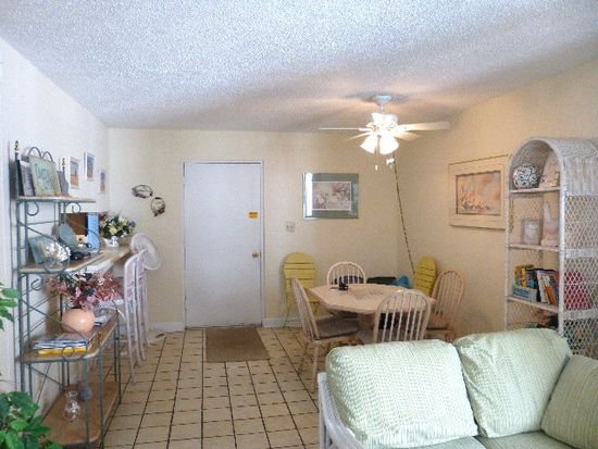 511 E Beach Blvd APT 404, Gulf Shores, AL 36542