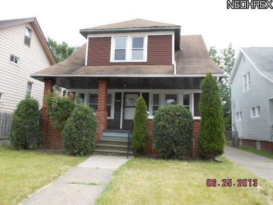 13710 North Dr, Garfield Heights, OH 44105