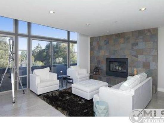 1076 Carrara Pl, Los Angeles, CA 90049