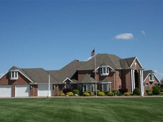 54590 Colonial Ridge Dr, Bristol, IN 46507