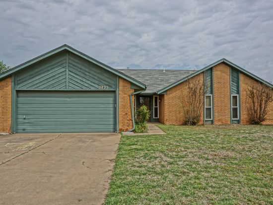 2825 Countrywood Ln, Edmond, OK 73012