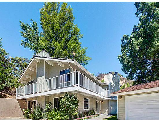194 Dapplegray Rd, Bell Canyon, CA 91307